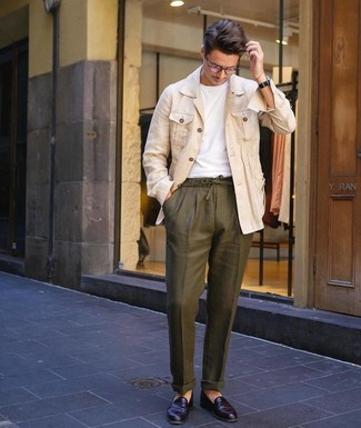 How to wear: black leather loafers, olive linen chinos, white crew-neck t-shirt, beige linen shirt jacket