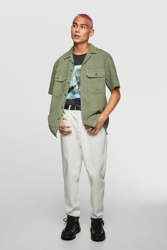 How to Wear a Black Print Crew-neck T-shirt In Spring For Men: A black print crew-neck t-shirt and white chinos are the kind of casual must-haves that you can wear for years to come. Black leather work boots will give an easy-going vibe to an otherwise all-too-safe look. So as you can see, it's a kick-ass, not to mention spring-friendly, getup to have in your seasonal wardrobe.