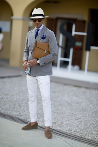 How to wear: brown suede tassel loafers, white chinos, light violet dress shirt, grey cotton blazer
