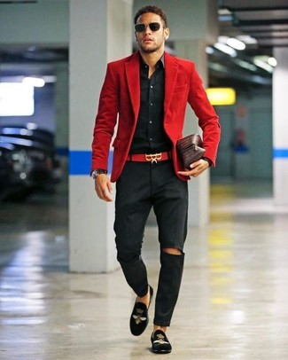 How to Wear Black Embroidered Velvet Loafers For Men: So as you can see, looking effortlessly elegant doesn't take that much work. Go for a red corduroy blazer and black chinos and be sure you'll look awesome. Amp up this outfit by finishing off with a pair of black embroidered velvet loafers.