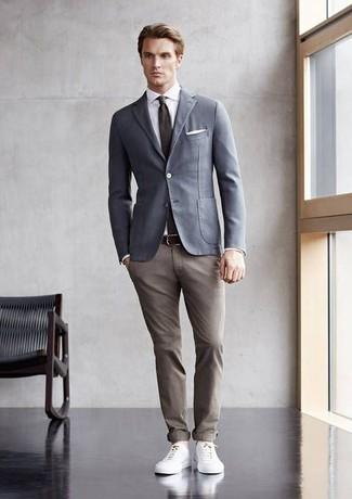 How to wear: white leather low top sneakers, khaki chinos, white dress shirt, grey cotton blazer