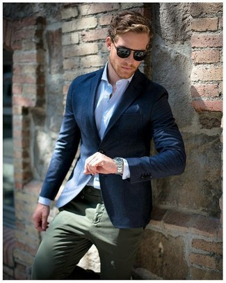 How to wear: navy pocket square, olive chinos, light blue vertical striped dress shirt, navy blazer