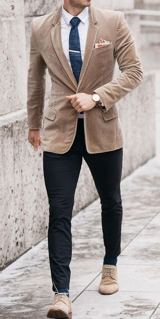 How to wear: beige suede desert boots, black chinos, white dress shirt, tan corduroy blazer