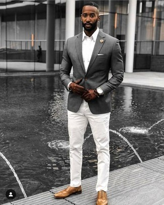 How to Wear Brown Leather Gloves For Men: This combo of a grey blazer and brown leather gloves offers comfort and utility and helps keep it simple yet contemporary. A pair of tan leather brogues introduces a classy aesthetic to the ensemble.