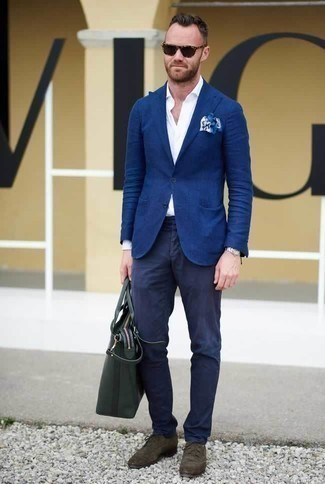 How to Wear a Blue Blazer For Men: For laid-back elegance with a masculine take, opt for a blue blazer and navy chinos. For something more on the elegant end to finish this outfit, introduce dark brown suede derby shoes to the equation.