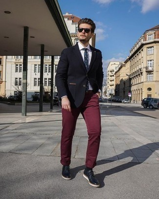 Men's Looks & Outfits: What To Wear In Warm Weather: Wear a black blazer and burgundy chinos for a sharp combination. Unimpressed with this ensemble? Enter black leather derby shoes to jazz things up.