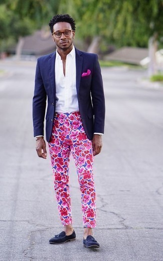 How to Wear Navy Suede Tassel Loafers: Go for a navy blazer and blue floral chinos and you'll be the embodiment of rugged elegance. Perk up your ensemble by sporting navy suede tassel loafers.