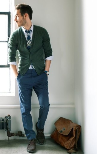 How to wear: brown suede desert boots, navy chinos, white dress shirt, olive cardigan