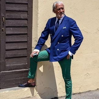 How to wear: dark brown leather derby shoes, green chinos, white dress shirt, blue double breasted blazer