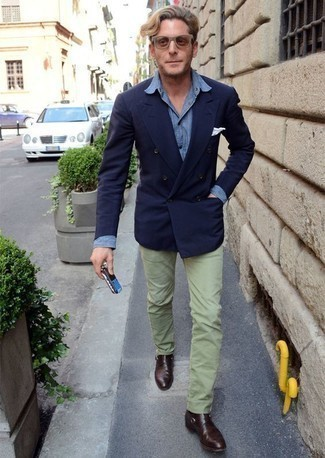 How to Wear Mint Chinos: A navy double breasted blazer and mint chinos are the kind of a fail-safe combination that you need when you have no time. Add dark brown leather monks to this look to immediately ramp up the classy factor of any getup.