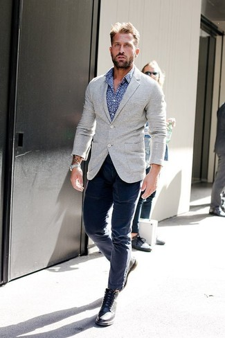 How to wear: black leather brogue boots, navy chinos, blue print long sleeve shirt, grey wool blazer