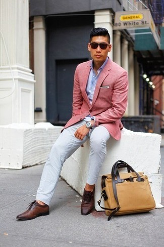 How to wear: dark brown leather oxford shoes, white chinos, light blue long sleeve shirt, pink blazer