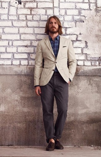 How to wear: dark brown leather boat shoes, dark brown chinos, navy plaid long sleeve shirt, beige cotton blazer