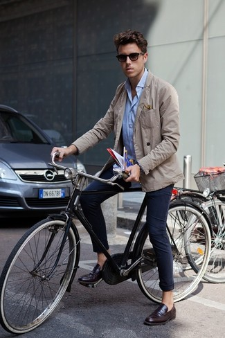 How to wear: dark brown leather loafers, navy chinos, light blue long sleeve shirt, beige cotton blazer