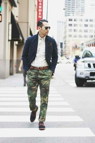 How to wear: brown leather oxford shoes, olive camouflage chinos, white check long sleeve shirt, navy cotton blazer