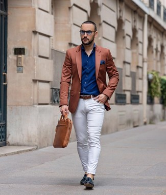 How to wear: black leather tassel loafers, white chinos, navy long sleeve shirt, tobacco blazer