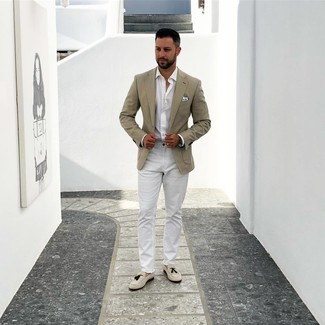 How to wear: beige suede tassel loafers, white chinos, white long sleeve shirt, beige blazer