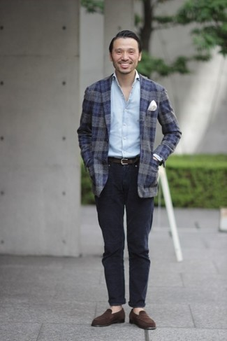 How to Wear Dress Shoes For Men: This combo of a navy plaid wool blazer and navy chinos looks amazing, but it's super easy to imitate. Clueless about how to complement this ensemble? Rock dress shoes to elevate it.
