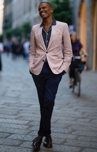 How to Wear Brown Socks For Men: This combo of a pink blazer and brown socks makes for the ultimate casual style for today's guy. Complete your getup with a pair of burgundy leather oxford shoes to completely spice up the look.