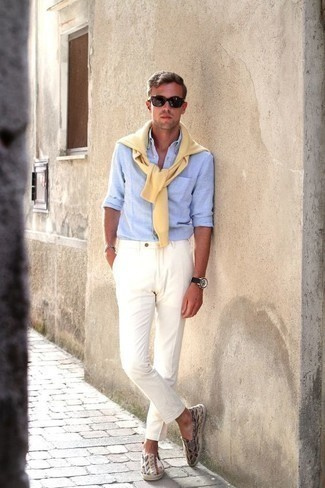 How to Wear a Yellow Crew-neck Sweater For Men: A yellow crew-neck sweater looks so good when paired with white chinos. A nice pair of multi colored canvas espadrilles ties this getup together.