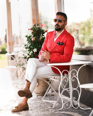 How to wear: tan suede tassel loafers, white chinos, white long sleeve shirt, red double breasted blazer