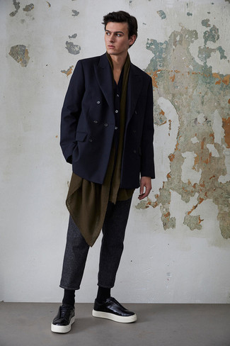 How to Wear a Navy Long Sleeve Shirt For Men: Choose a navy long sleeve shirt and charcoal vertical striped chinos for standout menswear style. Black leather low top sneakers are a good pick to finish off your look.