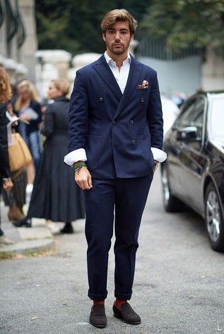 How to Wear a Navy Double Breasted Blazer For Men: This combo of a navy double breasted blazer and navy chinos makes for the perfect base for a casually stylish outfit. If you want to easily up this look with a pair of shoes, why not complement your getup with dark brown suede loafers?