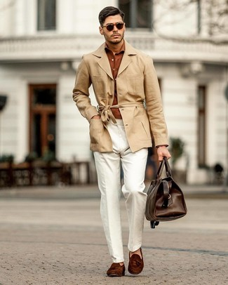 How to Wear Dark Brown Suede Tassel Loafers: For a look that's worthy of a modern trendsetting gentleman and casually classic, wear a tan linen trenchcoat with white linen chinos. Not sure how to complete this look? Round off with dark brown suede tassel loafers to smarten it up.