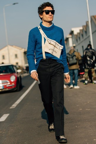 How to wear: black leather low top sneakers, black chinos, white long sleeve shirt, teal wool turtleneck