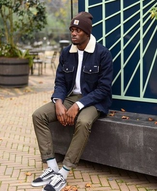 How to wear: black canvas low top sneakers, olive chinos, white long sleeve t-shirt, navy barn jacket