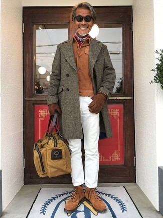 How to wear: brown suede casual boots, white chinos, tobacco suede shirt jacket, olive overcoat