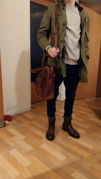 How to Wear a Brown Leather Briefcase: Consider teaming an olive parka with a brown leather briefcase if you want to look neat and relaxed without spending too much time. A nice pair of dark brown leather casual boots is an effective way to breathe an extra dose of style into your ensemble. When it comes to casual dressing ideas for 30-year-old gentlemen, this outfit is ideal.