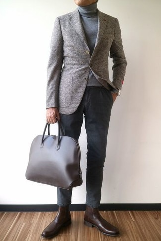 How to wear: dark brown leather chelsea boots, charcoal chinos, grey turtleneck, grey wool blazer