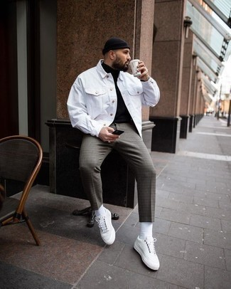 How to Wear White Leather Low Top Sneakers For Men: A white denim jacket and grey check chinos are the kind of a fail-safe casual getup that you so terribly need when you have no time. When in doubt about the footwear, stick to white leather low top sneakers.
