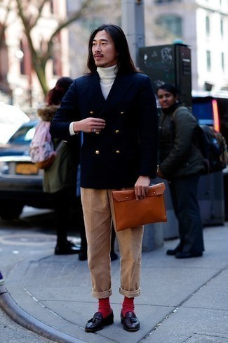 How to Wear Red Socks For Men: A navy double breasted blazer and red socks make for the perfect base for a casually cool getup. If you need to instantly step up your ensemble with a pair of shoes, go for a pair of dark purple leather tassel loafers.