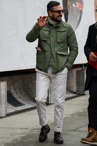 How to Wear a Tan Beanie For Men: Want to inject your wardrobe with some casual urban style? Opt for an olive field jacket and a tan beanie. If you wish to immediately ramp up this look with a pair of shoes, add a pair of black leather derby shoes to your outfit.