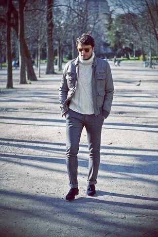 Men's Looks & Outfits: What To Wear In 2020: Go for a simple but at the same time laid-back and cool getup in a grey field jacket and grey chinos. Navy suede tassel loafers will give an extra touch of refinement to an otherwise mostly casual outfit.