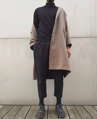 How to wear: black leather derby shoes, black chinos, black turtleneck, beige overcoat