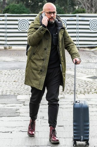 How to Wear Burgundy Leather Casual Boots For Men: Exhibit your credentials in men's fashion in this casual combination of an olive parka and black chinos. Unimpressed with this ensemble? Introduce a pair of burgundy leather casual boots to shake things up.