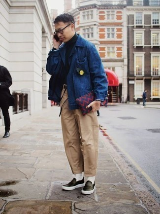 How to Wear a Navy Canvas Zip Pouch For Men: For a laid-back getup, pair a blue shirt jacket with a navy canvas zip pouch — these two items go pretty good together. You can get a bit experimental when it comes to footwear and add black leather slip-on sneakers to the equation.
