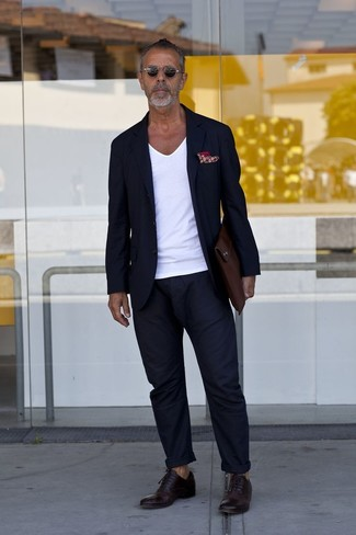 How to wear: dark brown leather oxford shoes, navy chinos, white v-neck t-shirt, navy blazer