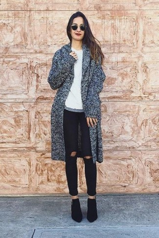 How to wear: charcoal coat, white crew-neck t-shirt, black ripped skinny jeans, black suede ankle boots