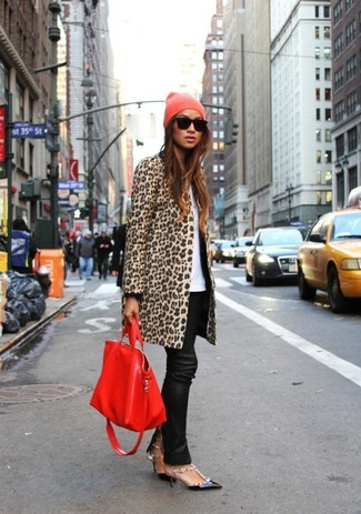 How to wear: camel leopard coat, white crew-neck t-shirt, black leather skinny pants, black leather pumps