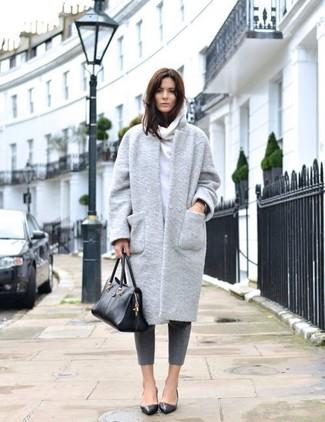 How to wear: grey coat, white hoodie, grey skinny pants, black leather ballerina shoes
