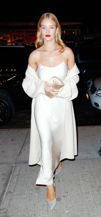 How to wear: beige coat, beige silk maxi dress, silver suede pumps, beige satin clutch