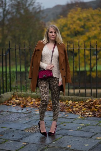How to wear: tobacco coat, beige v-neck sweater, khaki leopard skinny jeans, burgundy velvet pumps