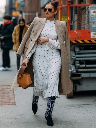 How to wear: tobacco leather handbag, black and white embroidered suede cowboy boots, white and black polka dot midi dress, beige houndstooth coat