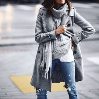 How to Wear a Grey Cowl-neck Sweater For Women: A grey cowl-neck sweater and blue ripped skinny jeans are a good combo worth integrating into your daily casual wardrobe.
