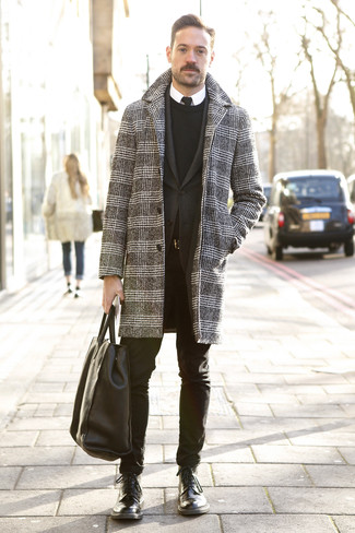 How to Wear a Black Leather Tote Bag For Men: A black and white houndstooth overcoat and a black leather tote bag are must-have menswear pieces, without which our menswear arsenals would feel incomplete. Black leather casual boots are an effortless way to infuse an extra dose of style into this outfit.