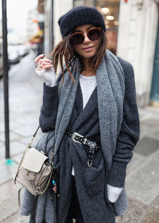 How to wear: black skinny jeans, white crew-neck sweater, charcoal coat, grey shawl